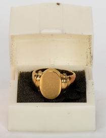 Signet Style Himber Ring