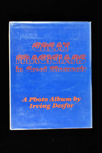 Great Magicians in Great Moments, Signed